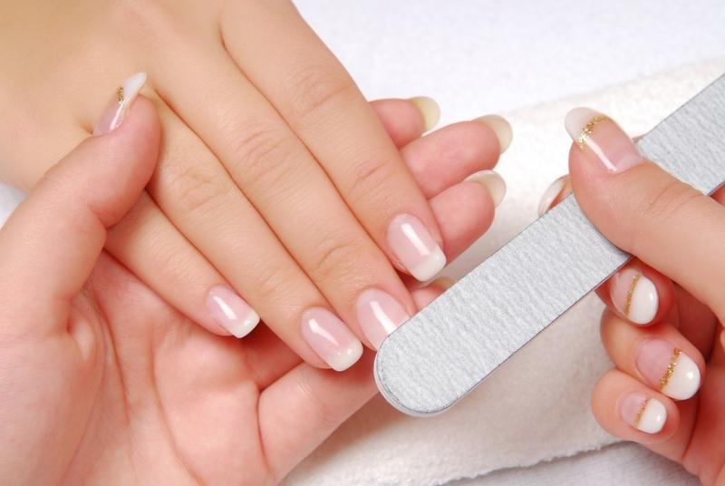 Cómo crecer sus uñas rápidamente