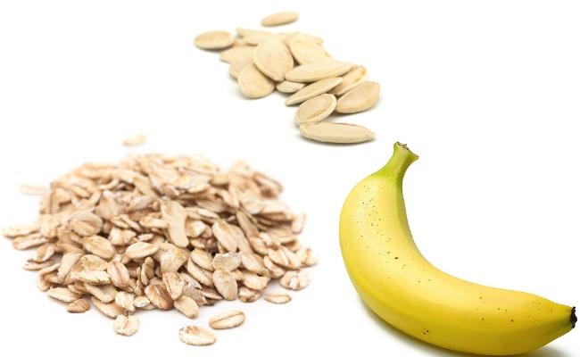 Plátano y harina de avena Smoothie con riqueza de semillas