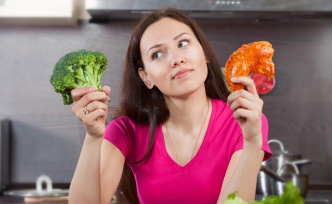Tomar alimentos con poca grasa