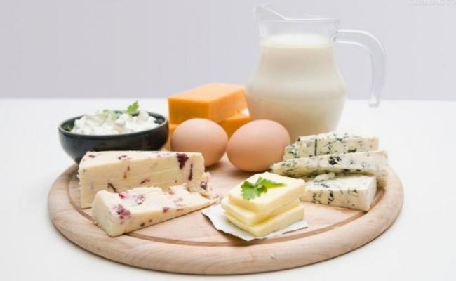 Tomar alimentos ricos en proteínas
