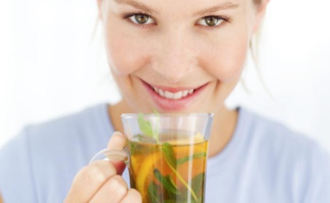 Disfrute de té de hierbas