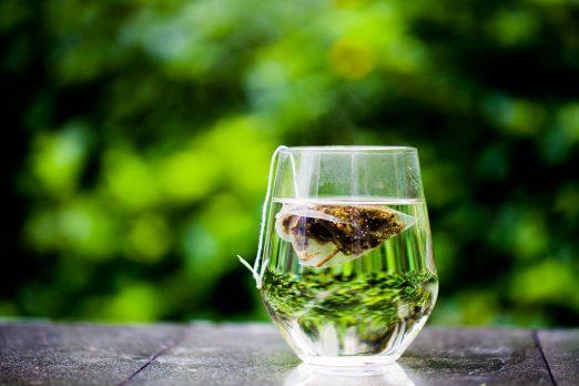 Gotas de té verde