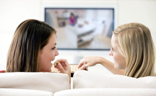 No ver la televisión al comer