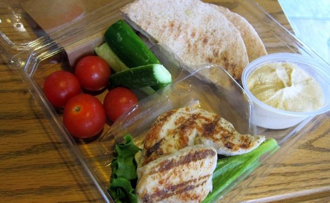 Pollo & Bistro Hummus caja