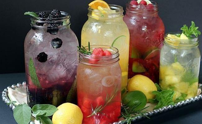 agua con sabor a frutas