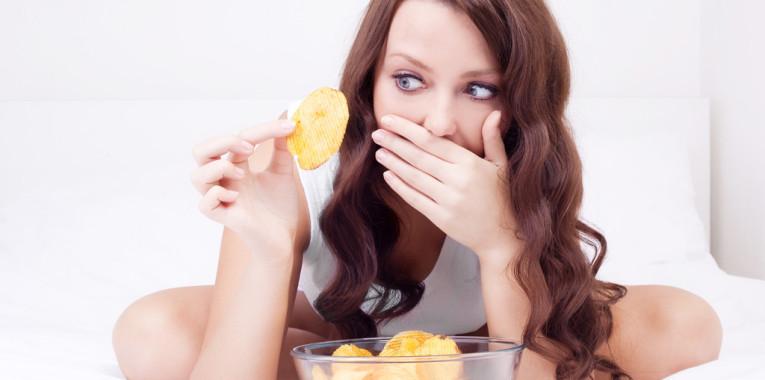 peores alimentos para comer tarde en la noche