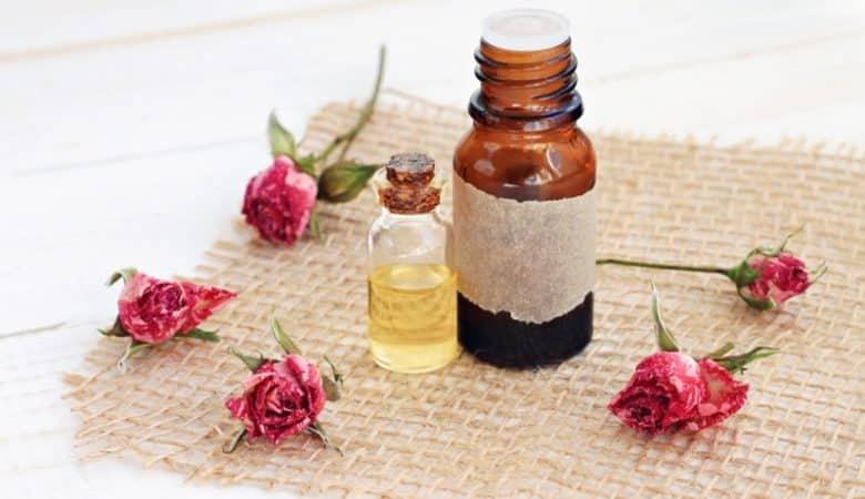 3 Aceites esenciales para ayudar con el acné