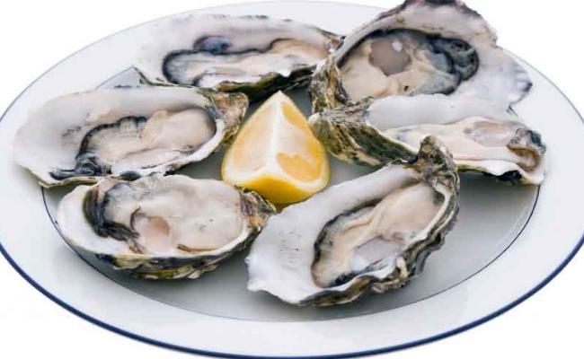 Coma ostras y carne magra
