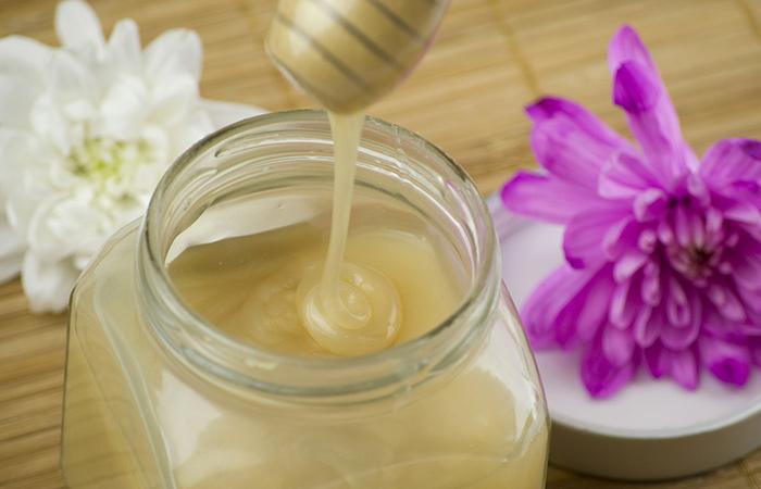 Aceite de coco y tratamiento acondicionador de miel para el cabello seco
