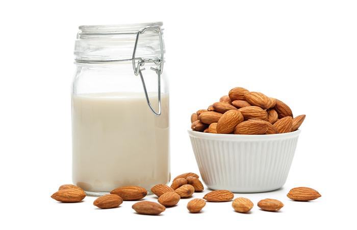 Acondicionador de aceite de leche y almendra de coco para el cabello seco