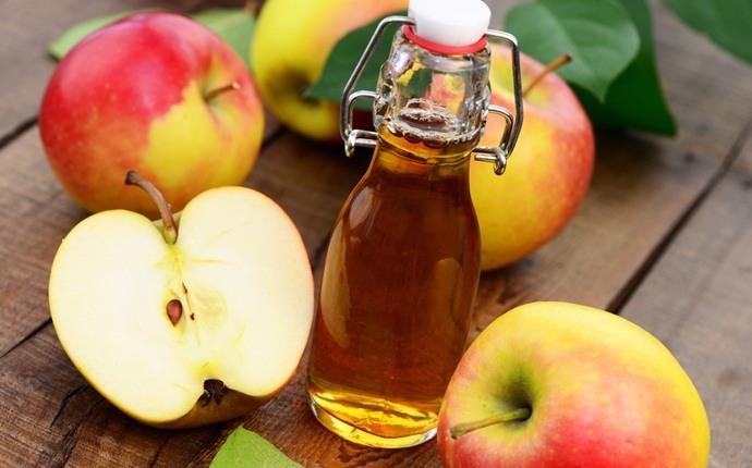 Vinagre de manzana para tratar el cuero cabelludo