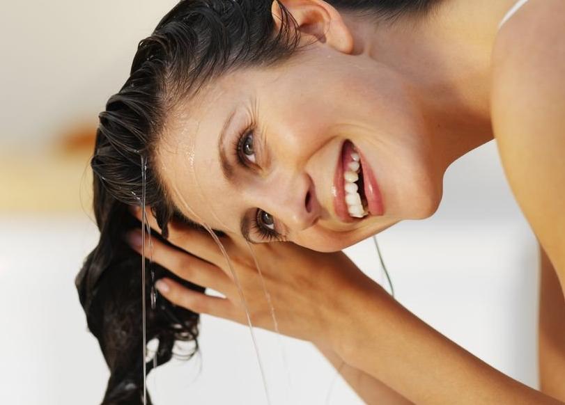 ¿Cómo usar el vinagre de sidra de manzana para el cuero cabelludo?