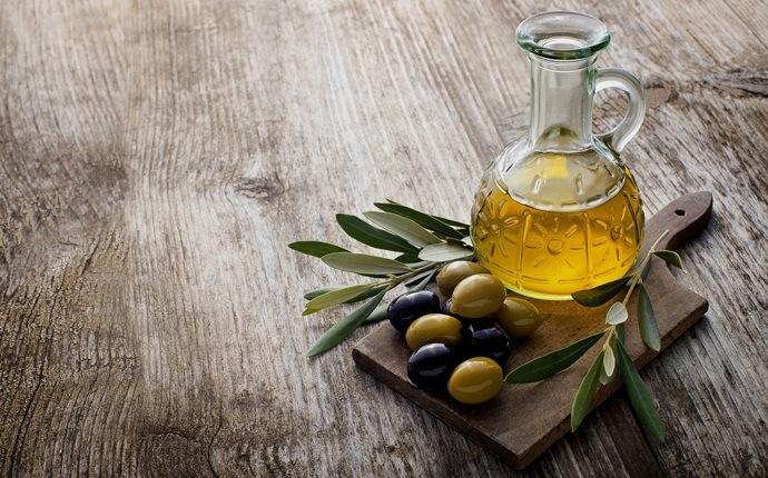 Huevos y aceite de oliva