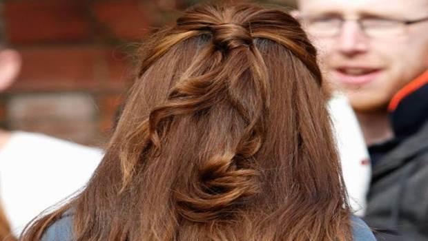 Peinado medio anudado