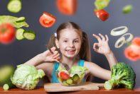 Los niños disfrutan de las verduras