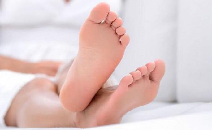Cómo deshacerse de los pies secos y agrietados